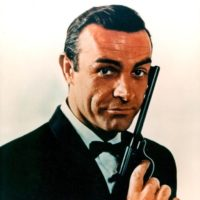 Sean Connery, como James Bond